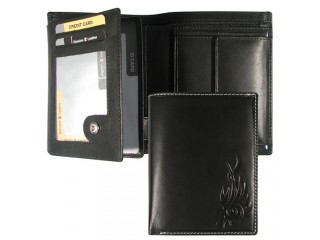 wallet with zipper pocket